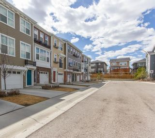 Photo 5: 61 Sherwood Row NW in Calgary: Sherwood Row/Townhouse for sale : MLS®# A1100882