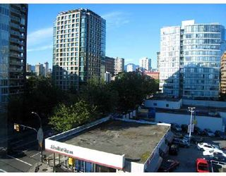 """Photo 7: 708 950 DRAKE Street in Vancouver: Downtown VW Condo for sale in """"ANCHOR POINT"""" (Vancouver West)  : MLS®# V661241"""