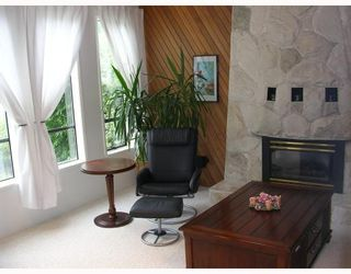 Photo 3: 1636 DEMPSEY Road in North_Vancouver: Lynn Valley House for sale (North Vancouver)  : MLS®# V717776