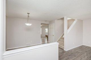 Photo 2: 631 88 Street in Edmonton: Zone 53 House for sale : MLS®# E4262584
