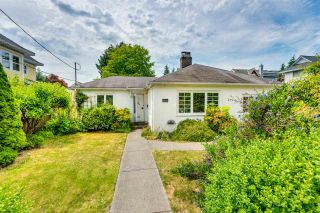 """Photo 14: 334 OLIVER Street in New Westminster: Queens Park House for sale in """"Queens Park"""" : MLS®# R2589086"""
