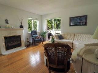 "Photo 5: 13 39920 GOVERNMENT Road in Squamish: Garibaldi Estates Townhouse for sale in ""Shannon Estates"" : MLS®# R2489214"