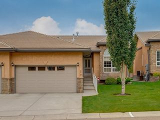 Photo 1: 27 SHANNON ESTATES Terrace SW in Calgary: Shawnessy Semi Detached for sale : MLS®# C4205904