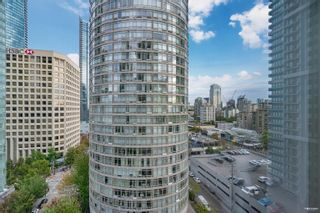 """Photo 3: 1301 1288 ALBERNI Street in Vancouver: West End VW Condo for sale in """"Palisades"""" (Vancouver West)  : MLS®# R2614069"""