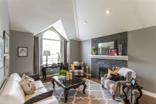 Photo 2: 16 PARKWOOD PLACE in Port Moody: Heritage Mountain House for sale : MLS®# R2460128