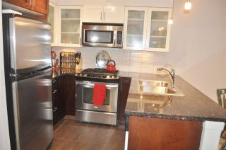 """Photo 7: 1308 1 RENAISSANCE Square in New Westminster: Quay Condo for sale in """"QUAY"""" : MLS®# R2234091"""