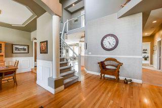 "Photo 4: 5877 E KETTLE Crescent in Surrey: Sullivan Station House for sale in ""Sullivan Station"" : MLS®# R2555954"