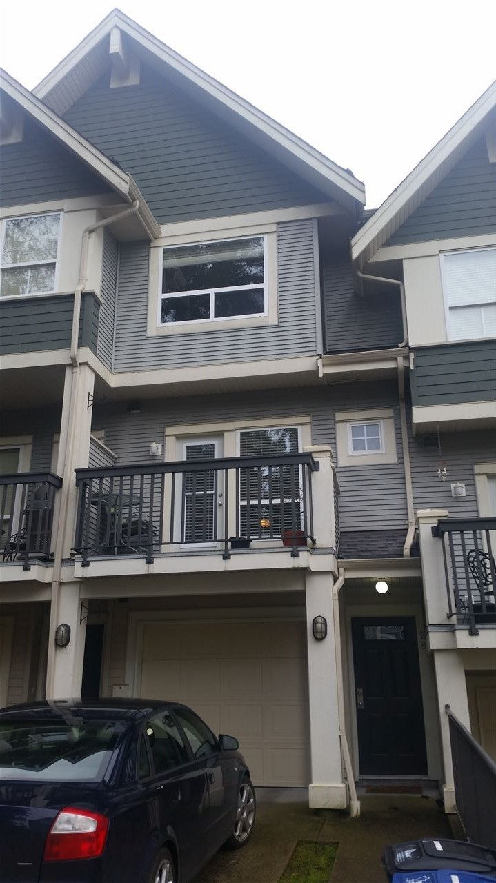"""Main Photo: 28 15065 58 Avenue in Surrey: Sullivan Station Townhouse for sale in """"SPRINGHILL"""" : MLS®# R2026880"""