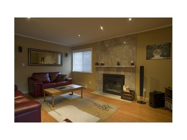 """Photo 2: Photos: 301 9890 MANCHESTER Drive in Burnaby: Cariboo Condo for sale in """"BROOKSIDE COURT"""" (Burnaby North)  : MLS®# V864730"""