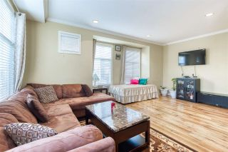 Photo 4: 1 12585 72 Avenue in Surrey: West Newton Townhouse for sale : MLS®# R2419763