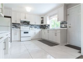 Photo 7: 18185 64 Avenue in Surrey: Cloverdale BC House for sale (Cloverdale)  : MLS®# R2253254