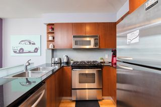 """Photo 20: 1108 822 SEYMOUR Street in Vancouver: Downtown VW Condo for sale in """"L'ARIA"""" (Vancouver West)  : MLS®# R2393856"""