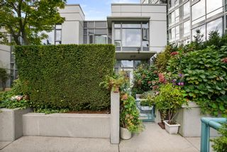"""Photo 33: 3F 1067 MARINASIDE Crescent in Vancouver: Yaletown Townhouse for sale in """"Quaywest"""" (Vancouver West)  : MLS®# R2620877"""