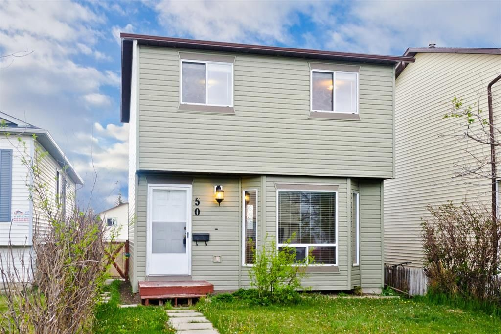 Main Photo: 50 Martindale Mews NE in Calgary: Martindale Detached for sale : MLS®# A1114466