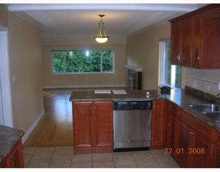 Photo 6: 515 W 23RD Street in North_Vancouver: Hamilton House for sale (North Vancouver)  : MLS®# V670812