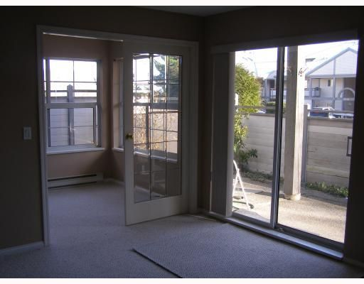 """Photo 8: Photos: 33 689 PARK Road in Gibsons: Gibsons & Area Condo for sale in """"PARK RISE"""" (Sunshine Coast)  : MLS®# V737713"""
