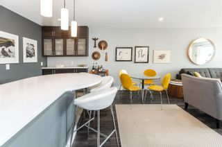 """Photo 5: 206 175 E 5TH Street in North Vancouver: Lower Lonsdale Condo for sale in """"Wellington Manor"""" : MLS®# R2624759"""