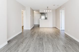 """Photo 5: 308 55 TENTH Street in New Westminster: Downtown NW Condo for sale in """"Westminster Towers"""" : MLS®# R2353028"""