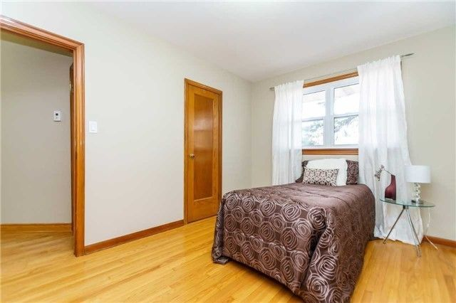 Photo 6: Photos: 304 Jackson Avenue in Oshawa: Central House (Bungalow) for sale : MLS®# E3997976