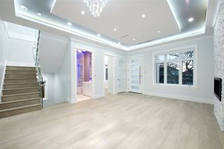 Photo 9: 757 E 59TH Avenue in Vancouver: South Vancouver House for sale (Vancouver East)  : MLS®# R2421313