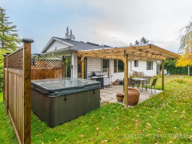 Photo 9: Photos: 1306 BOULTBEE DRIVE in FRENCH CREEK: Z5 French Creek House for sale (Zone 5 - Parksville/Qualicum)  : MLS®# 433102