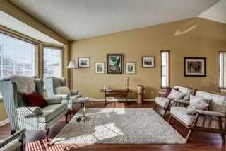 Photo 2: 176 HAWKLAND Circle NW in Calgary: Hawkwood Detached for sale : MLS®# C4272177