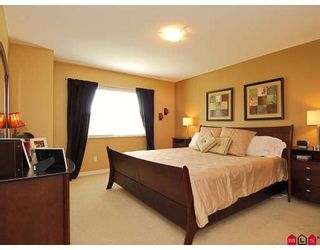 """Photo 8: 43 16655 64TH Avenue in Surrey: Cloverdale BC Townhouse for sale in """"Ridgewoods @ Northview"""" (Cloverdale)  : MLS®# F2822029"""