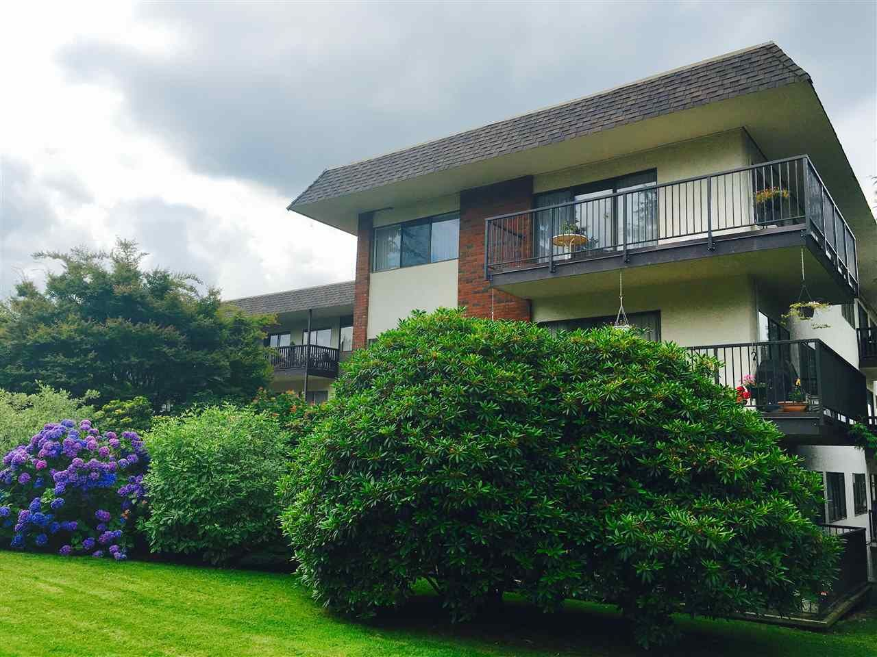 "Main Photo: 313 155 E 5TH Street in North Vancouver: Lower Lonsdale Condo for sale in ""WINCHESTER ESTATES"" : MLS®# R2135023"