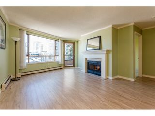"""Photo 4: 410 15111 RUSSELL Avenue: White Rock Condo for sale in """"Pacific Terrace"""" (South Surrey White Rock)  : MLS®# R2127847"""