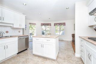 "Photo 9: 401 1283 PARKGATE Avenue in North Vancouver: Northlands Condo for sale in ""Parkgate Place"" : MLS®# R2355284"