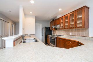 Photo 3: 201 1695 Comox Ave in : CV Comox (Town of) Condo for sale (Comox Valley)  : MLS®# 878188