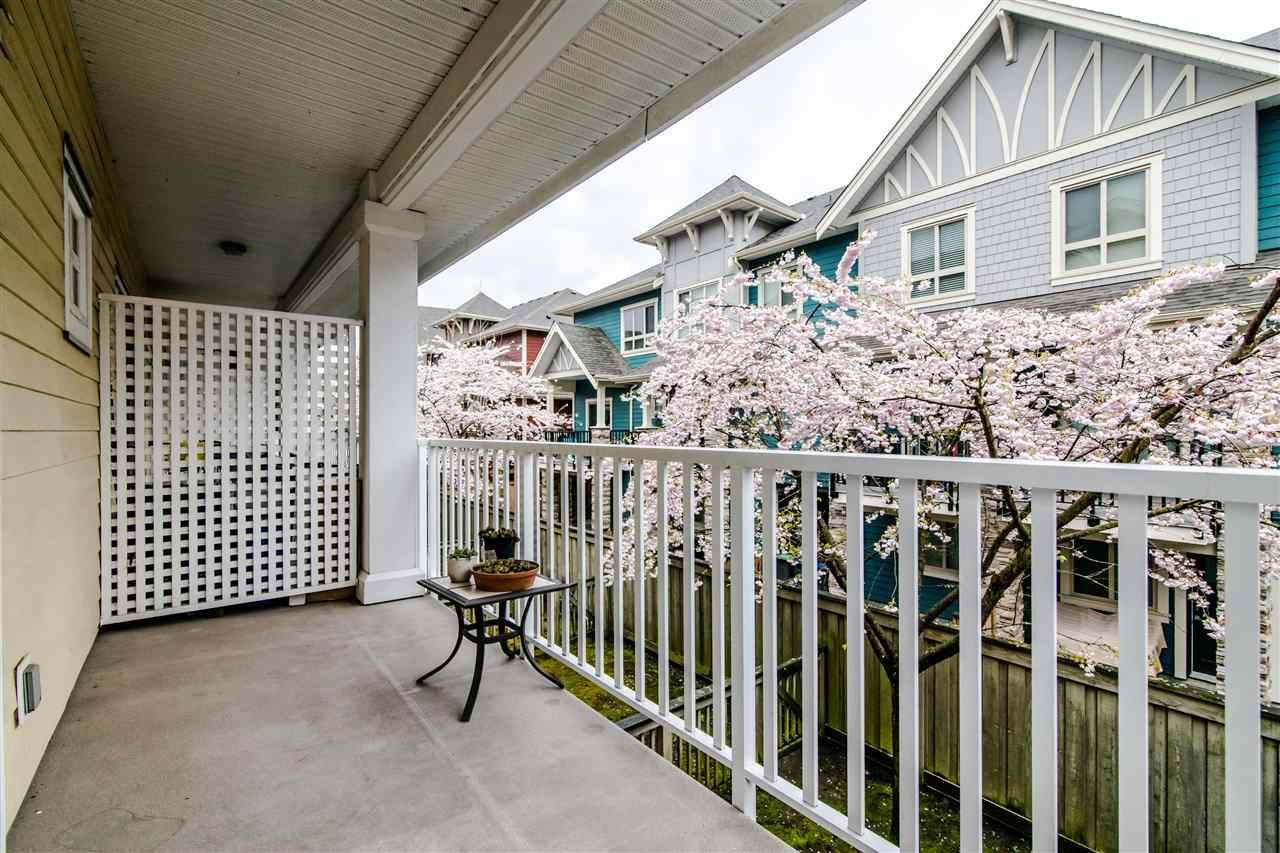 """Photo 9: Photos: 4 935 EWEN Avenue in New Westminster: Queensborough Townhouse for sale in """"COOPERS LANDING"""" : MLS®# R2355621"""