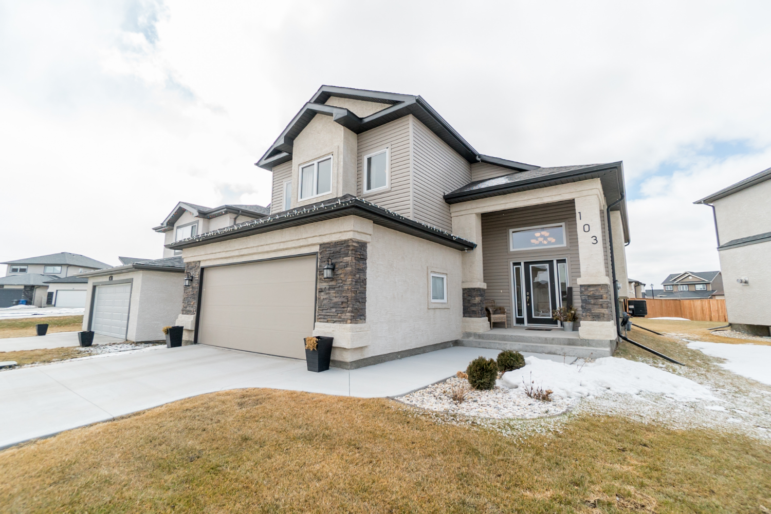 Main Photo: 103 Cotswold Place | River Park South Winnipeg