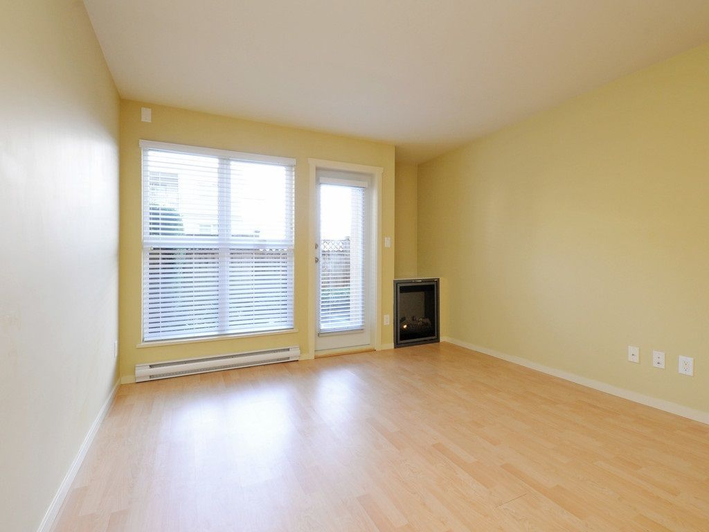 Photo 2: Photos: 213 315 KNOX Street in New Westminster: Sapperton Condo for sale : MLS®# R2232831
