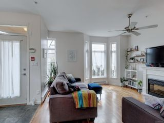 Photo 5: 102 1510 Hillside Ave in Victoria: Vi Oaklands Row/Townhouse for sale : MLS®# 874175