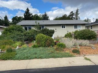 Photo 2: 3420 79 Street in Edmonton: Zone 29 House for sale : MLS®# E4258106