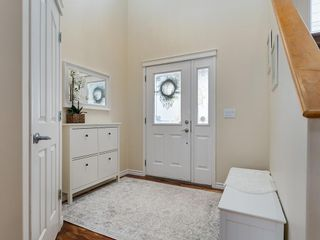 Photo 2: 92 WENTWORTH Circle SW in Calgary: West Springs Detached for sale : MLS®# C4270253