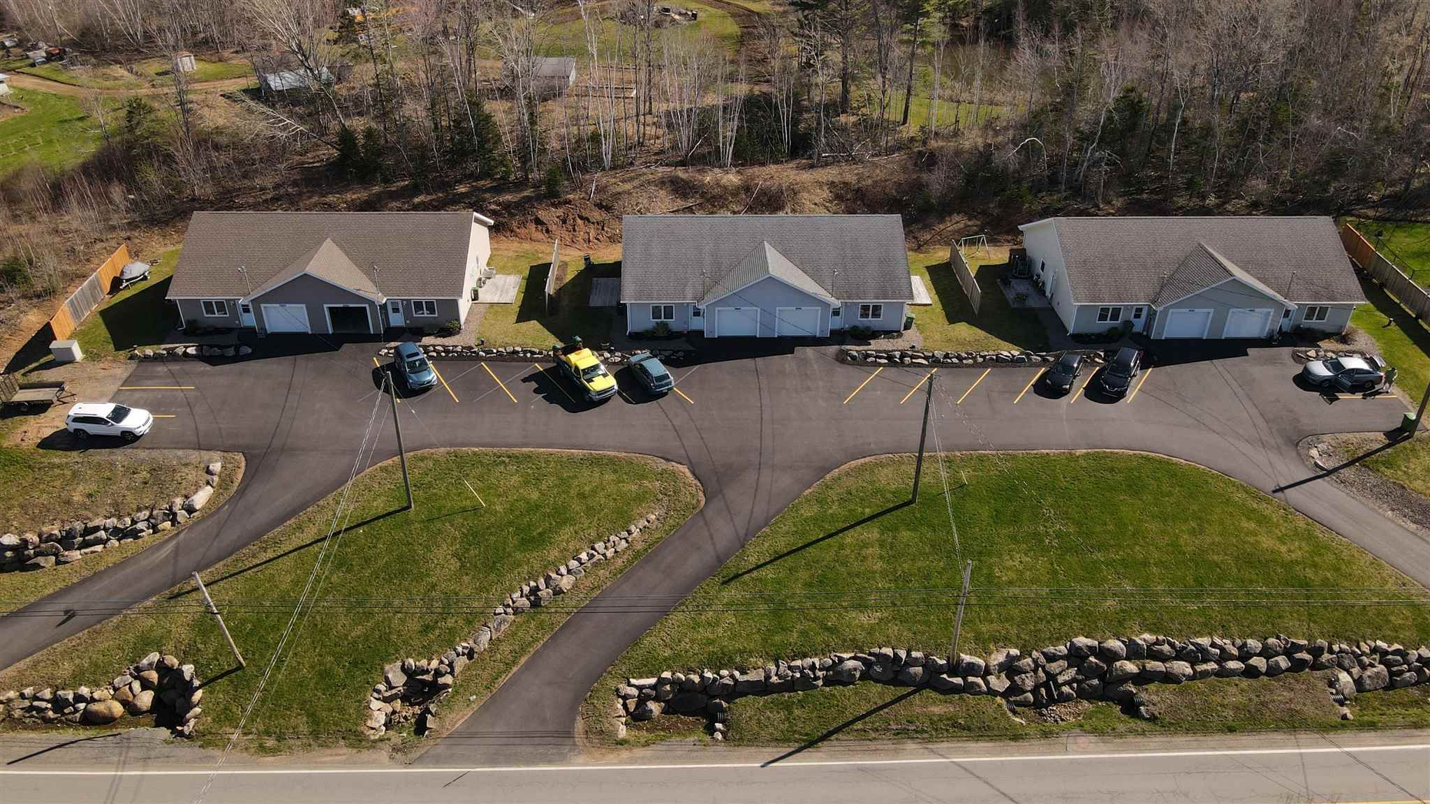 Main Photo: 13582-13600 Highway 1 in Lockhartville: 404-Kings County Multi-Family for sale (Annapolis Valley)  : MLS®# 202106188