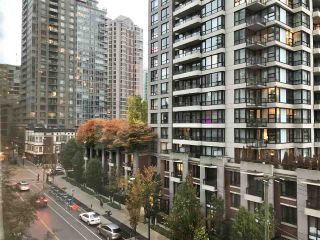 """Photo 5: 606 939 HOMER Street in Vancouver: Yaletown Condo for sale in """"The Pinnacle"""" (Vancouver West)  : MLS®# R2550646"""