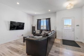 Photo 3: 320 Bayview Street SW: Airdrie Detached for sale : MLS®# A1150102