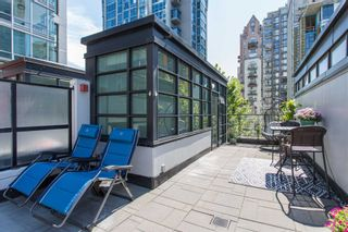 """Photo 3: 320 1255 SEYMOUR Street in Vancouver: Downtown VW Townhouse for sale in """"Elan"""" (Vancouver West)  : MLS®# R2604811"""