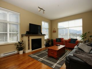 Photo 4: # 205 1336 MAIN ST in Squamish: Downtown SQ Condo for sale : MLS®# V1109070