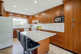 """Photo 3: 1928 HOMFELD Place in Port Coquitlam: Lower Mary Hill House for sale in """"LOWER MARY HILL"""" : MLS®# R2592934"""
