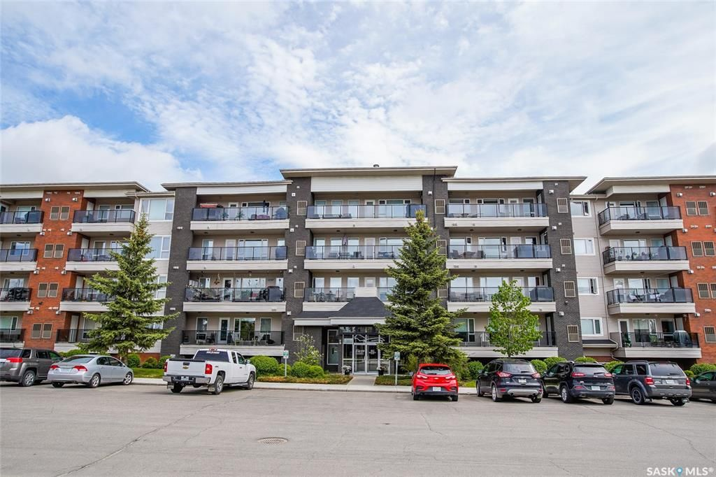 Main Photo: 204 102 Kingsmere Place in Saskatoon: Lakeview SA Residential for sale : MLS®# SK847109