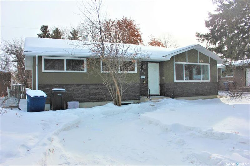 FEATURED LISTING: 817 Arlington Avenue Saskatoon