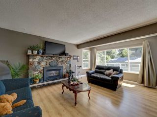 """Photo 10: 6345 ORACLE Road in Sechelt: Sechelt District House for sale in """"West Sechelt"""" (Sunshine Coast)  : MLS®# R2468248"""