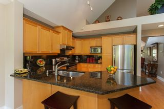 """Photo 24: 1 15450 ROSEMARY HEIGHTS Crescent in Surrey: Morgan Creek Townhouse for sale in """"CARRINGTON"""" (South Surrey White Rock)  : MLS®# R2201327"""
