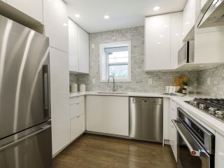 Photo 15: 2433 W 6TH Avenue in Vancouver: Kitsilano Townhouse for sale (Vancouver West)  : MLS®# R2477689