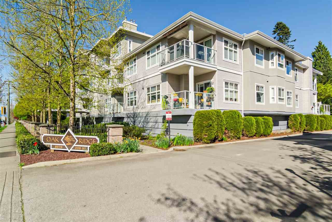 "Main Photo: 111 8976 208 Street in Langley: Walnut Grove Condo for sale in ""OAKRIDGE"" : MLS®# R2423848"