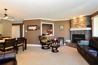 Photo 4: 202 15015 VICTORIA AVENUE: White Rock Condo for sale (South Surrey White Rock)  : MLS®# R2439513